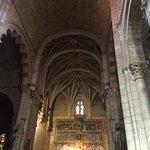 Altar y nave central