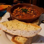 Chili con Carne with garlic bread