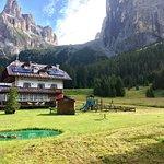 Monti Pallidi Rifugio Escursionistico Foto