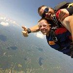 Chute Libre - 13 500 pieds! Demandé Gregggggg le Français!!