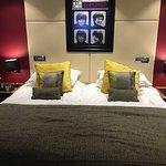 Photo de Hard Days Night Hotel