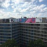 Photo de Beacon Hotel & Corporate Quarters