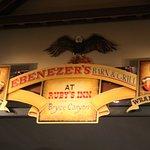 Ebenezer's Barn & Grill Foto