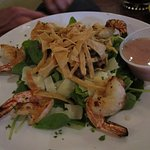 Spinach salad with Grilled Shrimp and Mushrooms