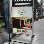 Photo de iCheck Inn Sukhumvit Soi 11