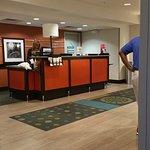 Counter Area at Hampton Inn & Suites Elyria