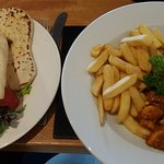 Curry and chips (my choice) Poppadom and nan bread on the side. Delicious!