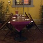 cortile e tavoli particolare