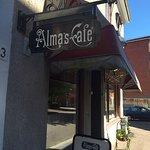 Almas Cafe