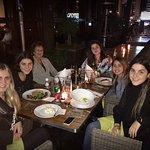 Cena con mis nietas en el restaurante Terraza