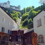 Photo de Salzburg's Old Town