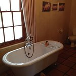 Superior Deluxe Garden Room Bath