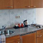 Kleine Einbauküche zum Kochen
