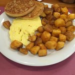 Scrambled eggs, Grilled English & Home fries