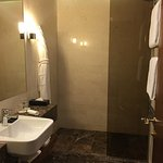 Photo de Metropol Palace, A Luxury Collection Hotel
