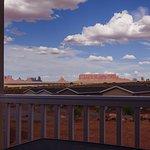 Vista della Monument Valley dalla veranda di ogni ab