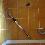 barre de douche defectueuse