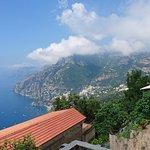 Blick vom Balkon nach rechts in Richtung Positano