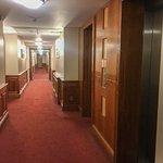 Recibidor del ascensor y pasillos habitaciones