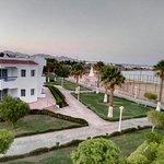 Photo de Dreams Beach Resort