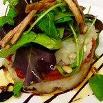 Ensalada tibia de patatas,pimientos rojos y bacalao