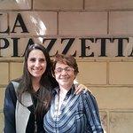 En La Piazzetta con amigos