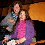 con mi nieta disfrutando de una gala de ballet