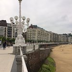 San Sebastian promenade and beach with Hotel de Londres in background.