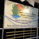 Garden by the Bay Floating Seafoods Restaurant의 사진