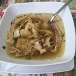 Frittatensuppe (húsleves palacsintatésztával)