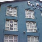 Photo de The Big Blue Hotel