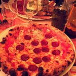 Pizza chorizo et aperçu de la burrata