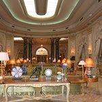 El Palace Hotel lobby