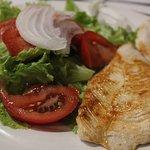 Segundo plato de la cena, filetes de pavo demasiado hechos