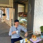 Bij aankomst in de Vaucluse hebben we hier wat ontbeten. Een heel fijn zaakje, in het centrum va