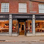Lynwood cafe frontage
