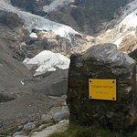 Cippo al termine del sentiero:Sorgenti del Lys - 2.410m slm