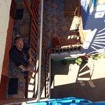 vue depuis la terrasse vers les étages inférieurs. Romuald lors de l'installation dansles chambr