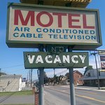 Welcome to Evans' Motel