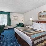 Baymont Inn & Suites Greensboro/Coliseum