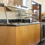 Breakfast Bar, Best Western Windsor Inn, Ashland, Oregon