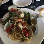 Just had Spaghetti alle vongole al dente at Remo's, white with fresh pomodoro. Tasted same dish