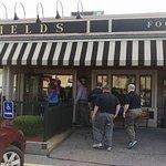 Grassfields Food & Spirits Foto