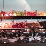 Früchte beim Frühstückbuffet