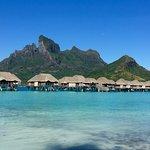 Photo de Four Seasons Resort Bora-Bora