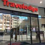Photo de Travelodge Sydney