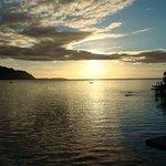 Bangalô sobre as águas lado Pôr do Sol