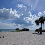 Foto de Sombrero Beach