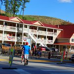 Photo de Keystone Boardwalk Inn & Suites