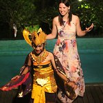 Learning how to do Balinese dance